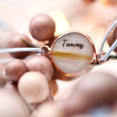"""Infinity Armband personalisiert """"YOUNIVERSE"""" mit Anhänger von Leafinity dünnes Textilarmband mit Glitzer"""