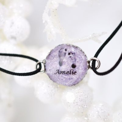 """Infinity Armband mit Fußabdruck personalisiert """"YOUNIVERSE"""" mit Anhänger von Leafinity dünnes Textilarmband schwarz lila"""